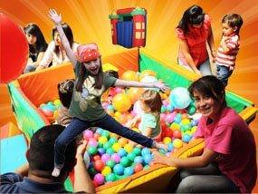 Fiestas infantiles, decoracion, alimentos y bebidas,personajes, titeres gigantes, payasos y magos.